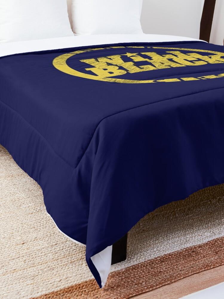 Alternate view of WB Inner Circle GOLD (center ice logo) Comforter