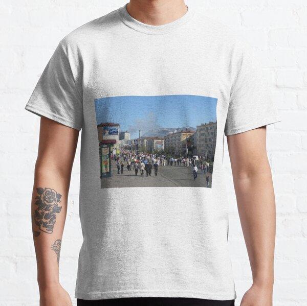 Political Poster, Город Норильск - Норильлаг. Norilsk City - Norillag #Город #Норильск #Норильлаг #Norilsk #City #Norillag #dictatorship #Антидиктатура Classic T-Shirt