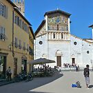 Piazza in Lucca by photorolandi