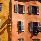 fenêtres à Grasse, France by Alex Evans