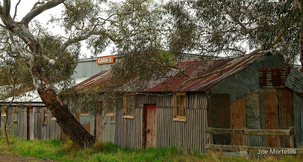Garage, Harcourt Victoria by Joe Mortelliti