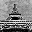 the elegance of eiffel by handheld-films