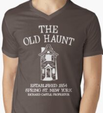 CASTLE'S BAR THE OLD HAUNT Men's V-Neck T-Shirt
