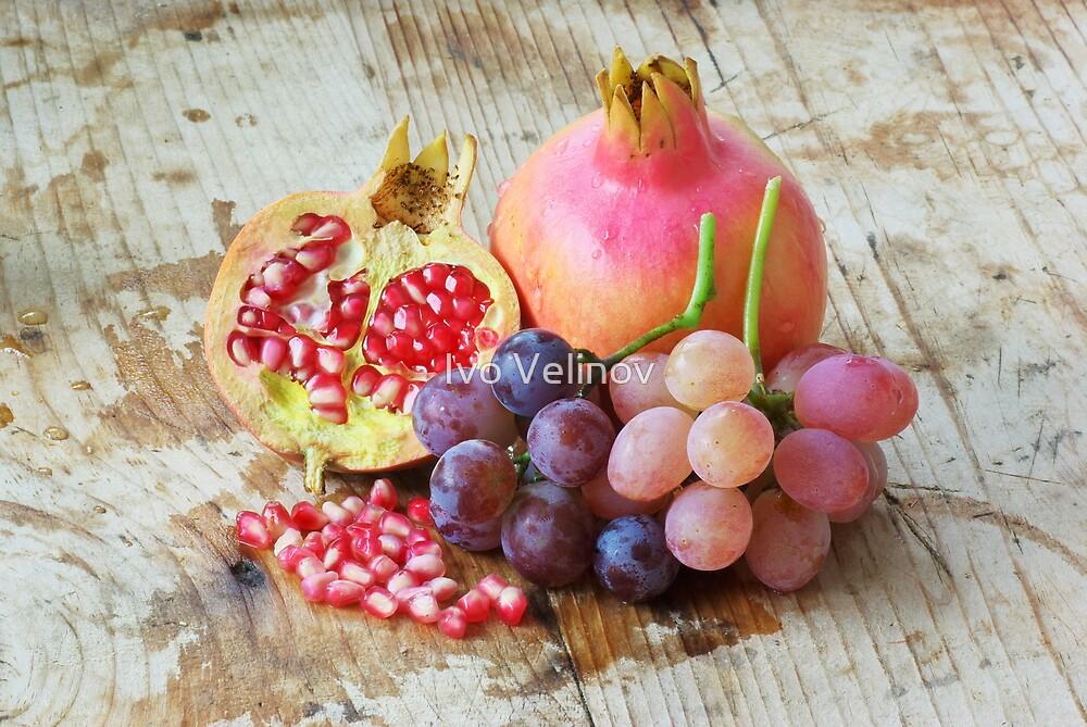 Fruits by Ivo Velinov