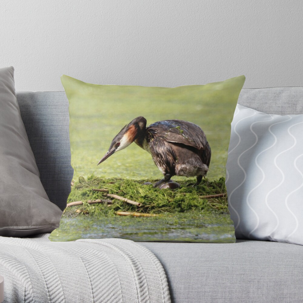Great crested grebe Throw Pillow