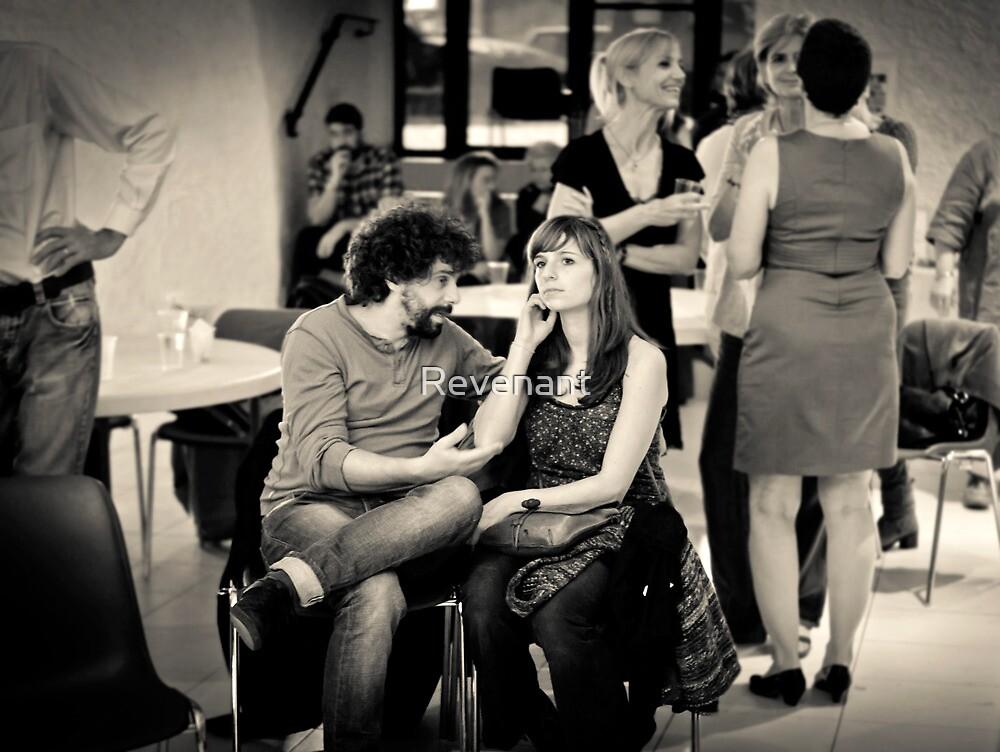 Dans l'amour il y en a toujours l'un qui baise et l'autre qui tourne la joue by Revenant