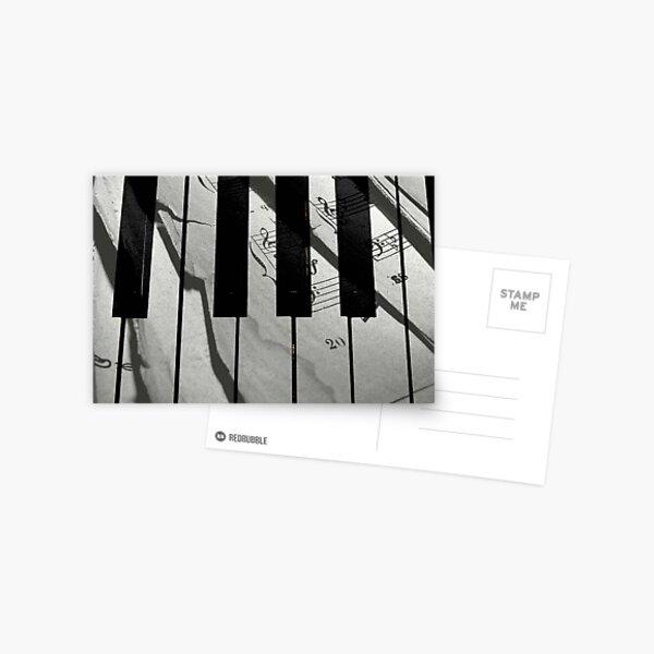 Piano Notes © Postcard