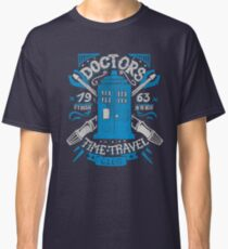 Doctors time travel club Classic T-Shirt