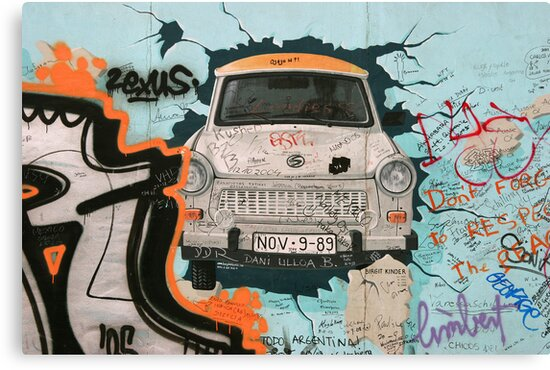 Fragment of Berlin wall by fotorobs