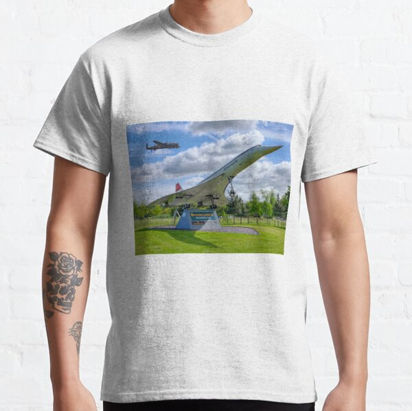 Dambusters 70 Years On - BBMF Lancaster 3 - HDR Classic T-Shirt