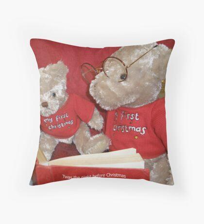 Christmas Storytime. Throw Pillow