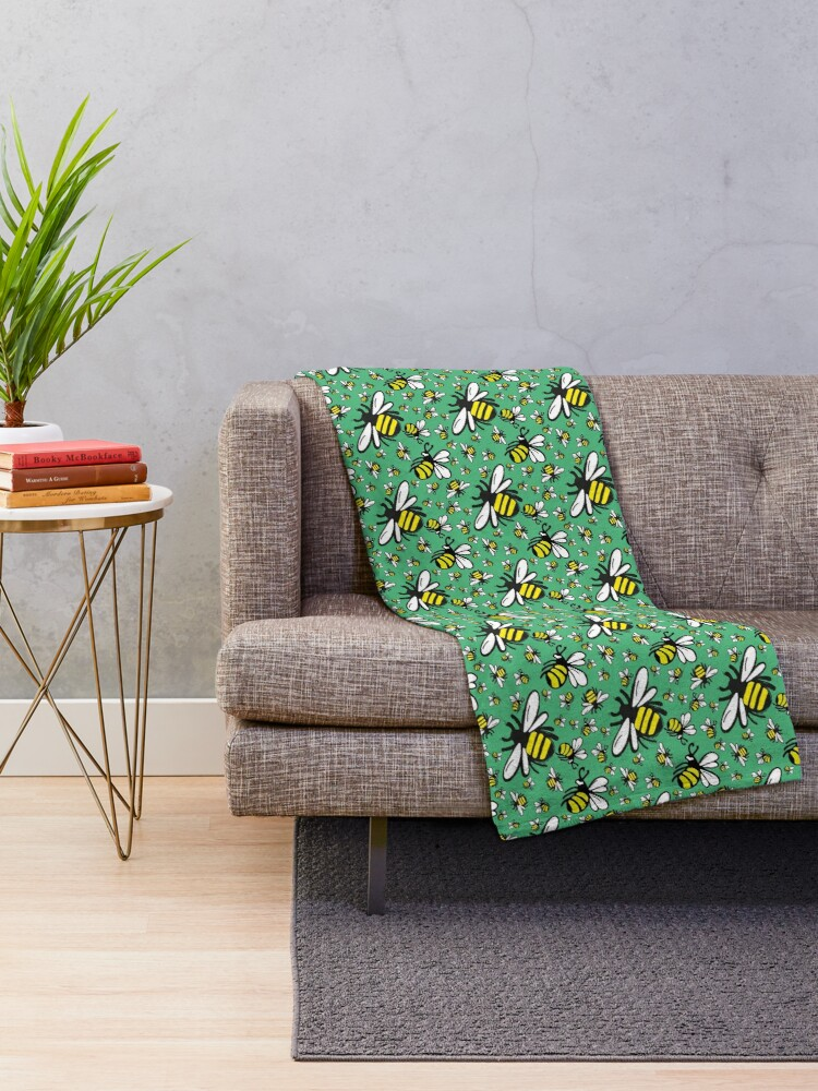 Alternate view of Buzzy Bee and his little ones in VIBRANT MINT GREEN Throw Blanket