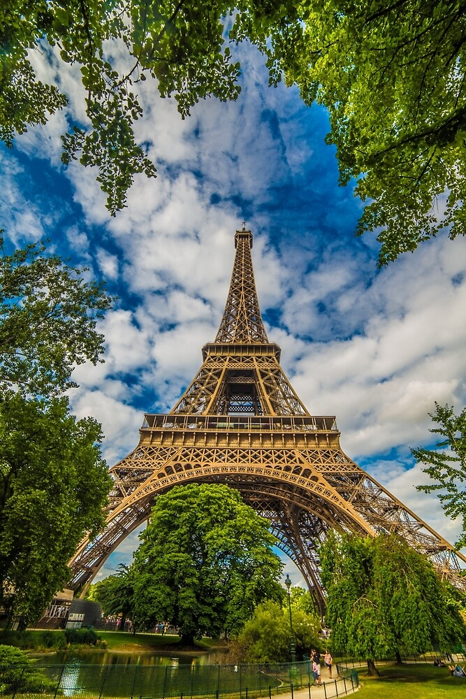 Eiffel Tower, Paris by hayrettinsokmen