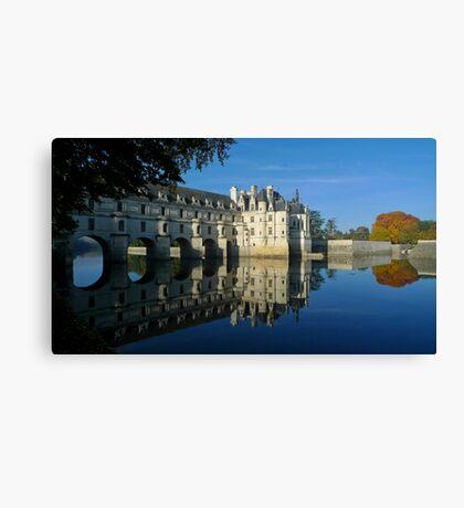 Chenonceau castle in autumn Canvas Print