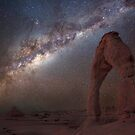 The night sky at Delicate Arch by Wojciech Dabrowski