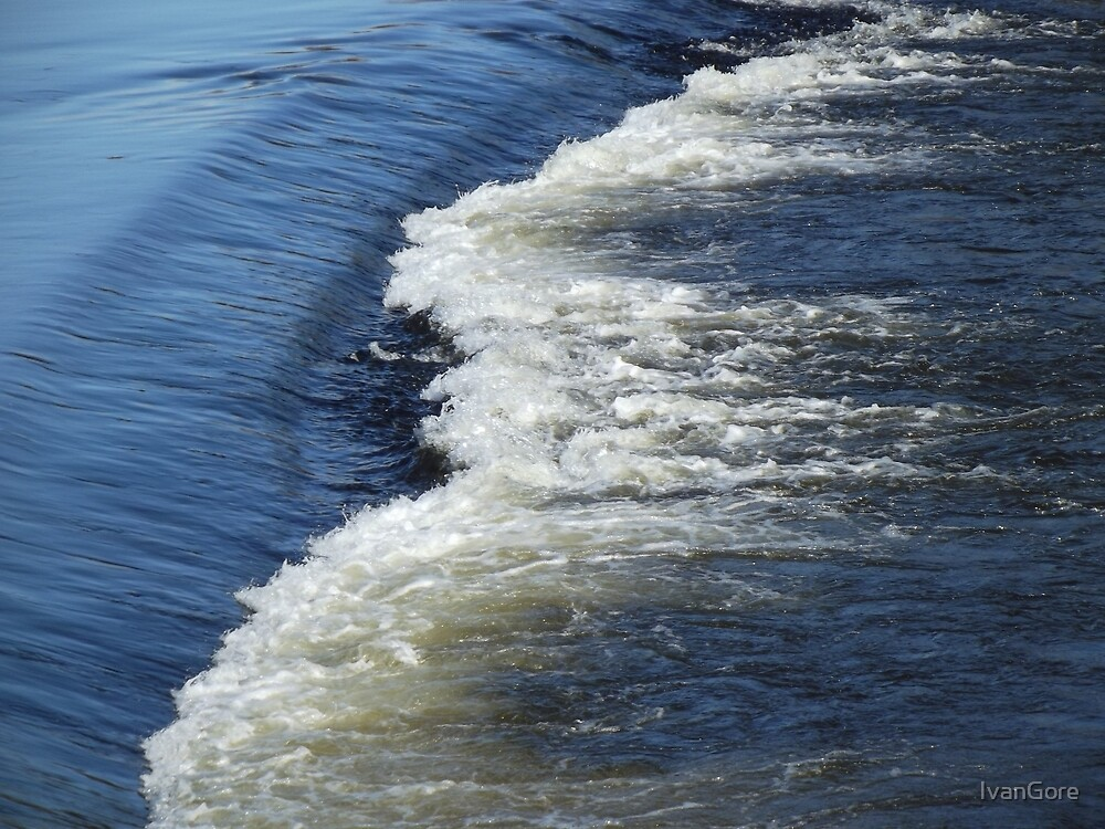 Flowing River Dee  by IvanGore