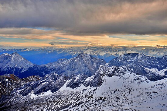 Mountain Alps by Daidalos