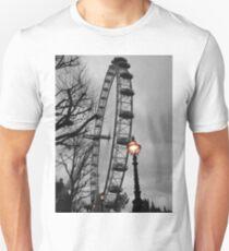 London Eye and street lamps T-Shirt