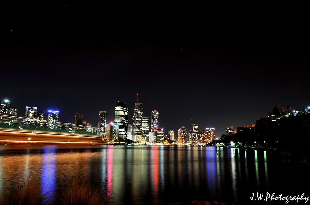 brisbane city at night by jwatts