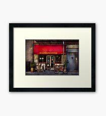 Cafe - NY - Chelsea - Mappamondo  Framed Print