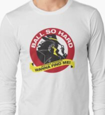 Carmen Sandiego - Everybody wanna find her Long Sleeve T-Shirt