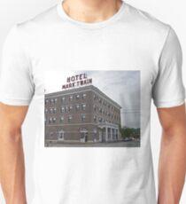 Mark Twain Hotel, Hannibal, Missouri, Usa T-Shirt