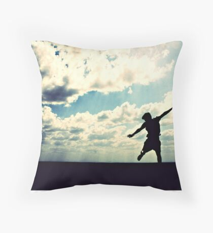 let the sun rain down on me Throw Pillow