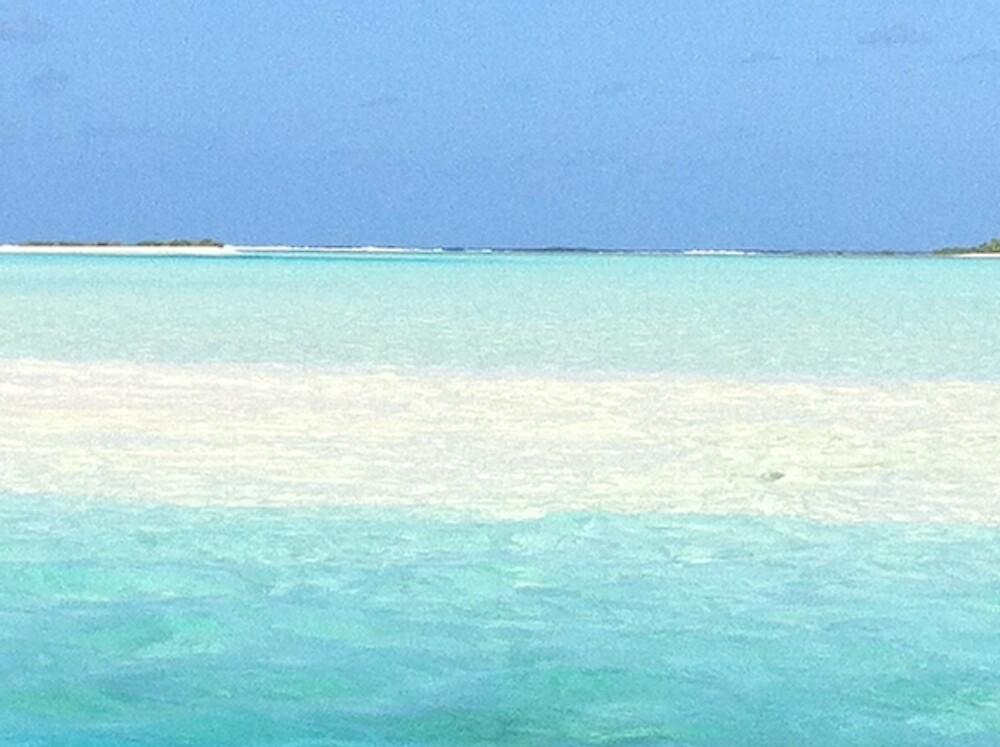blue beach by issybunbun