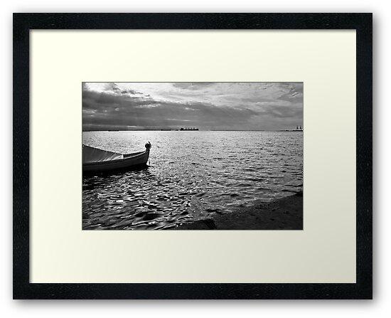 BOAT SEA SUNLIGHT AND HARBOR VINTAGE RETRO by Byzas