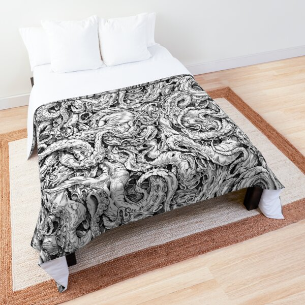 Tentacles of Cthulhu (B / W) Comforter