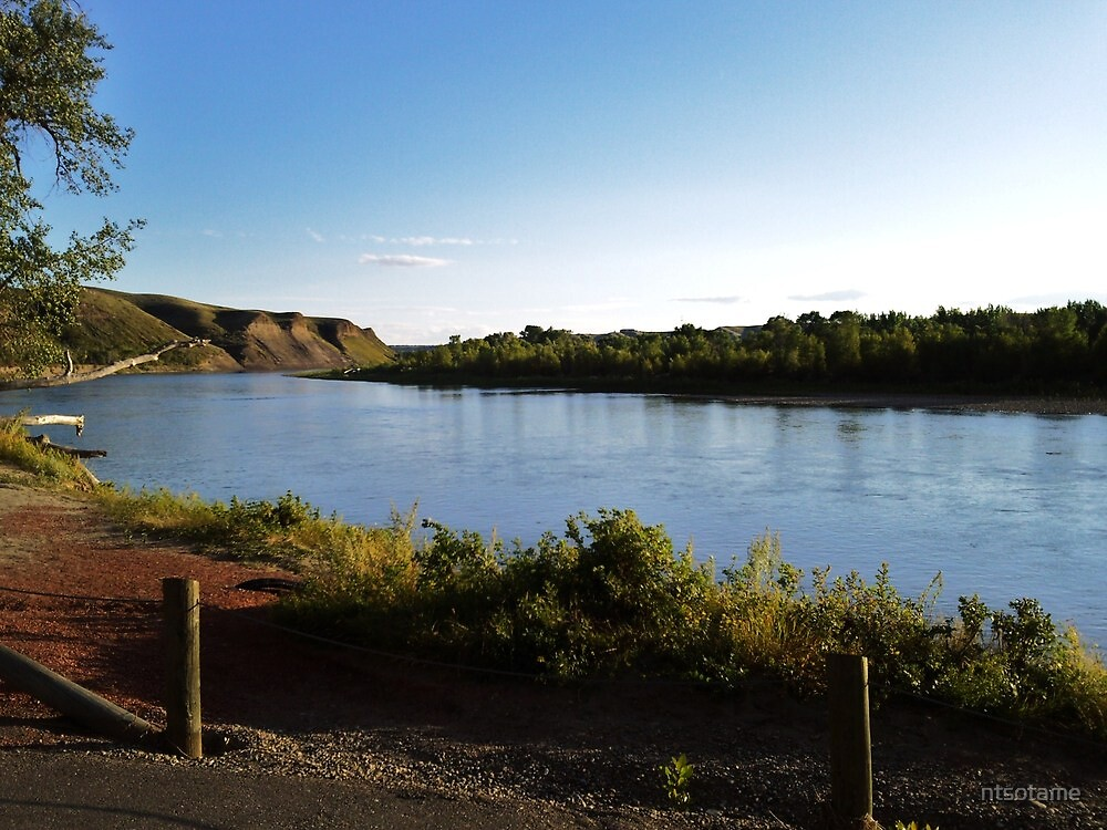 Looking down the oldman river by ntsotame