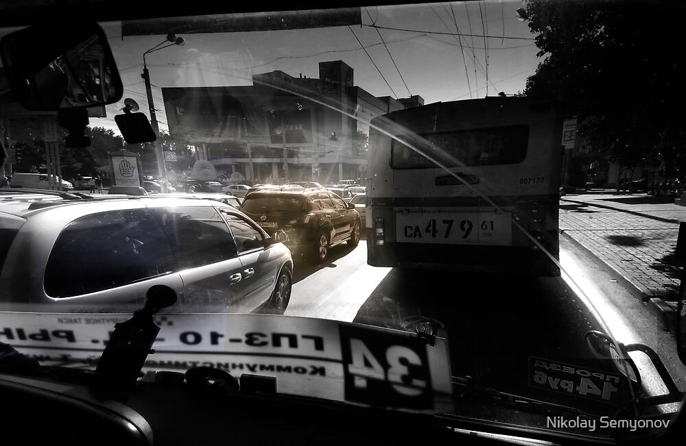 shuttling in rush hour by Nikolay Semyonov
