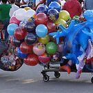 Selling/Vendiendo globos - Puerto Vallarta, Mexico by PtoVallartaMex