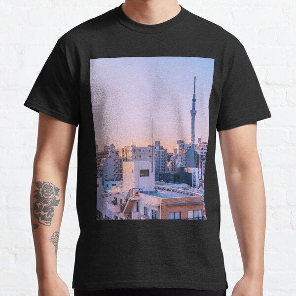 Tokyo Skytree au crepuscule T-shirt classique