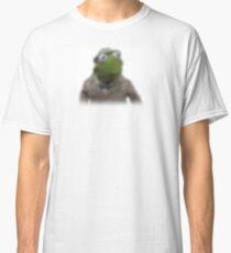 Blurred kermit reporter Classic T-Shirt