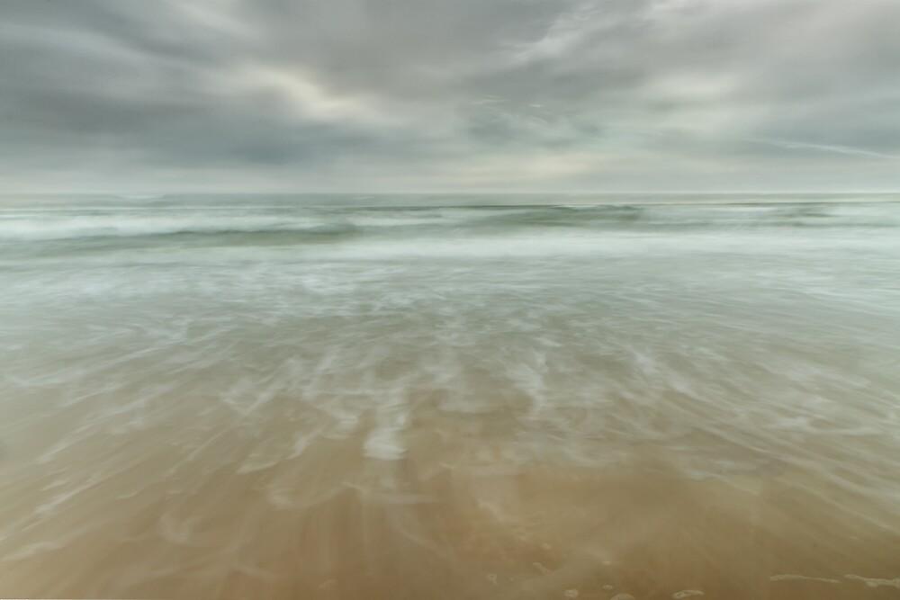 Sea stagnant by Geraldas Galinauskas