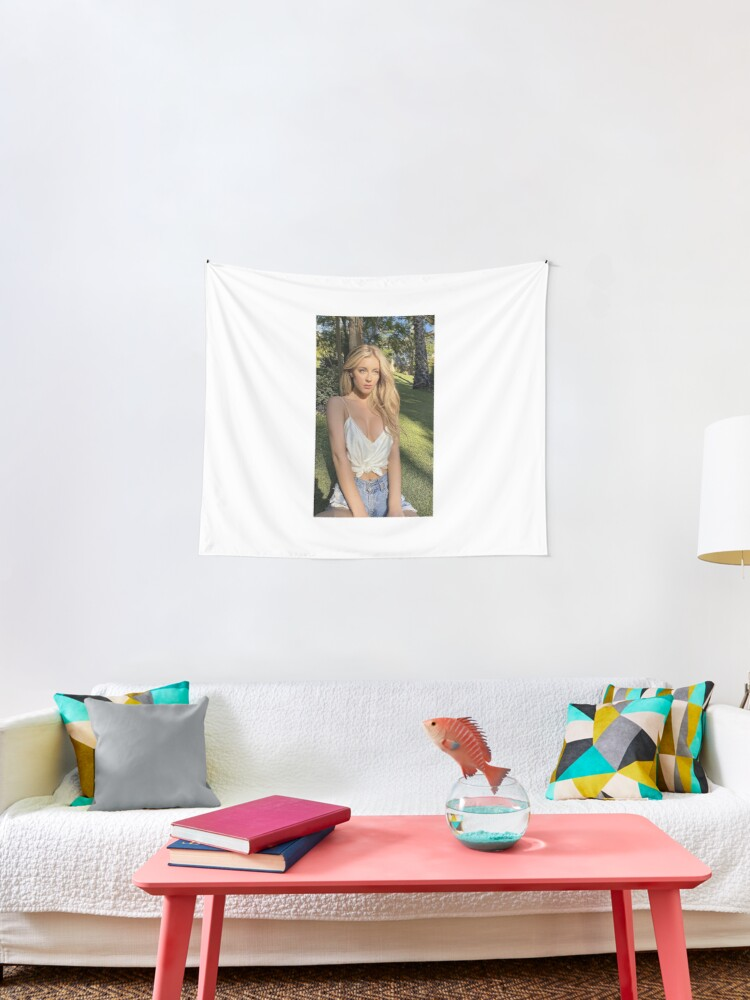 Daisy Keech Tapestry By Laurenswiffin Redbubble