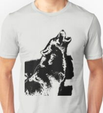 wolf howling into at the moon T-Shirt