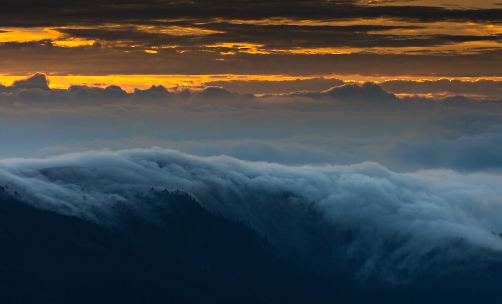 Waves of Clouds by jimkok77