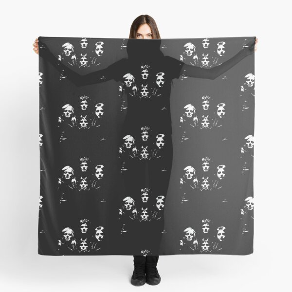Queen Black and White Scarf