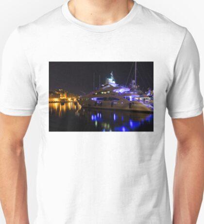 Reflecting on Malta - Grand Harbour Marina T-Shirt