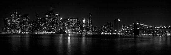 Manhattan skyline - B&W by Slawomir  Piasecki