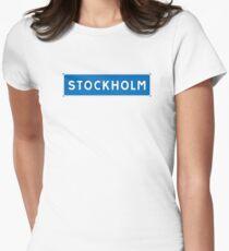 Stockholm, Verkehrsschild, Schweden Tailliertes T-Shirt für Frauen