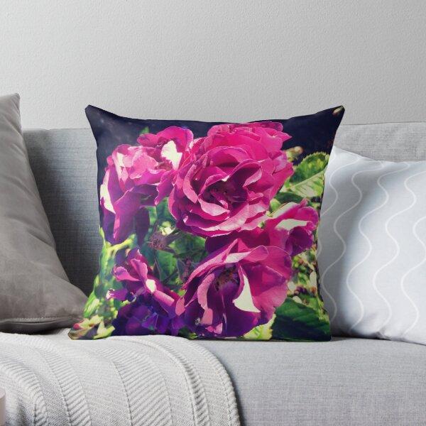 Garden roses - Throw Pillow