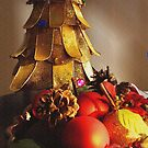 Christmas Gold & Red by hickerson