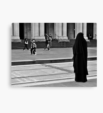 She stands alone Canvas Print