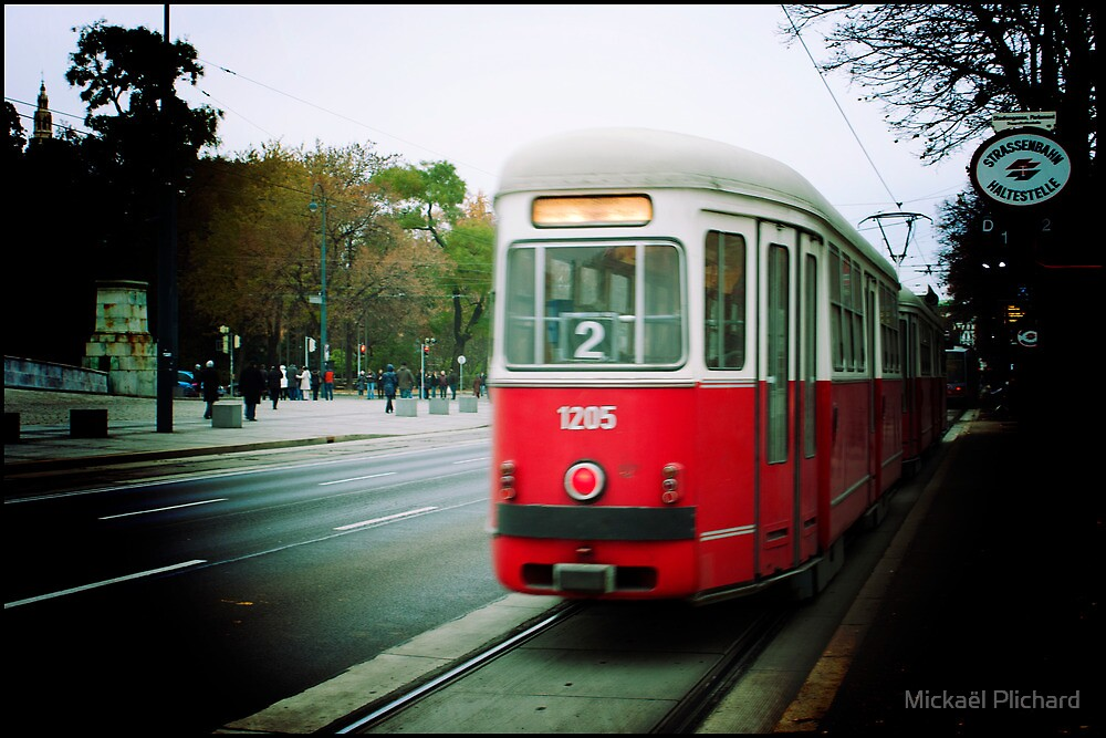 The tram in Vienna, Austria by Plichard Mickaël