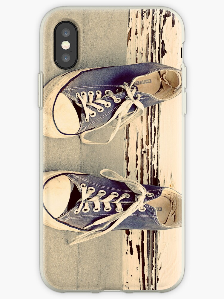 beach bums - iphone case by Tania Palermo