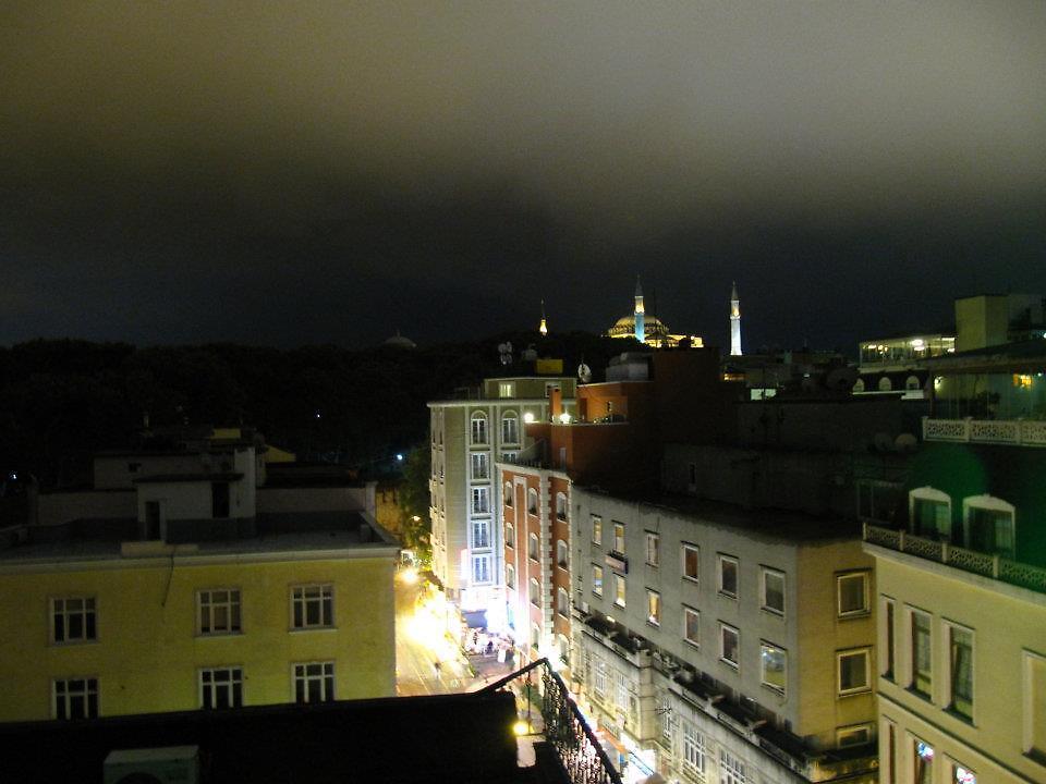 Istanbul scene by LDDP