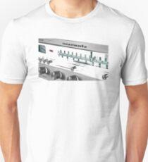 2220B Unisex T-Shirt